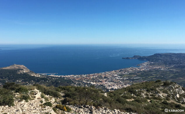 Imagen: Vista de Xàbia desde lo alto del Montgó