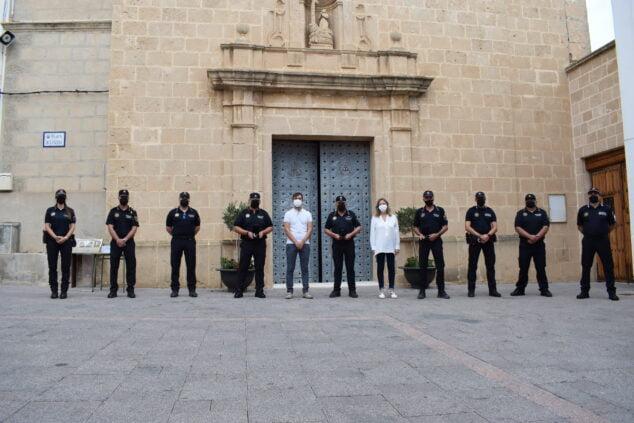 Imagen: Agentes de la Policía de El Poble Nou de Benitatxell