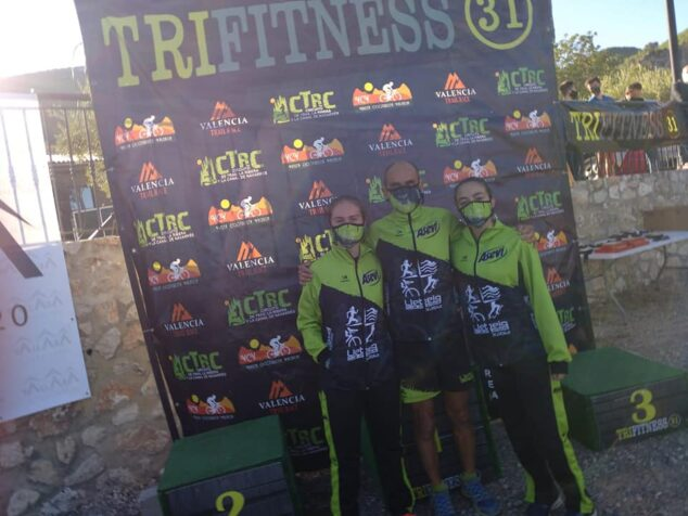 Imagen: Atletas del Club Llebeig en el Trail de Vallada