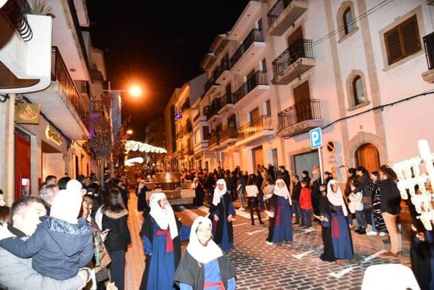 Imagen: Cabalgata de los Reyes Magos por el centro de Xàbia