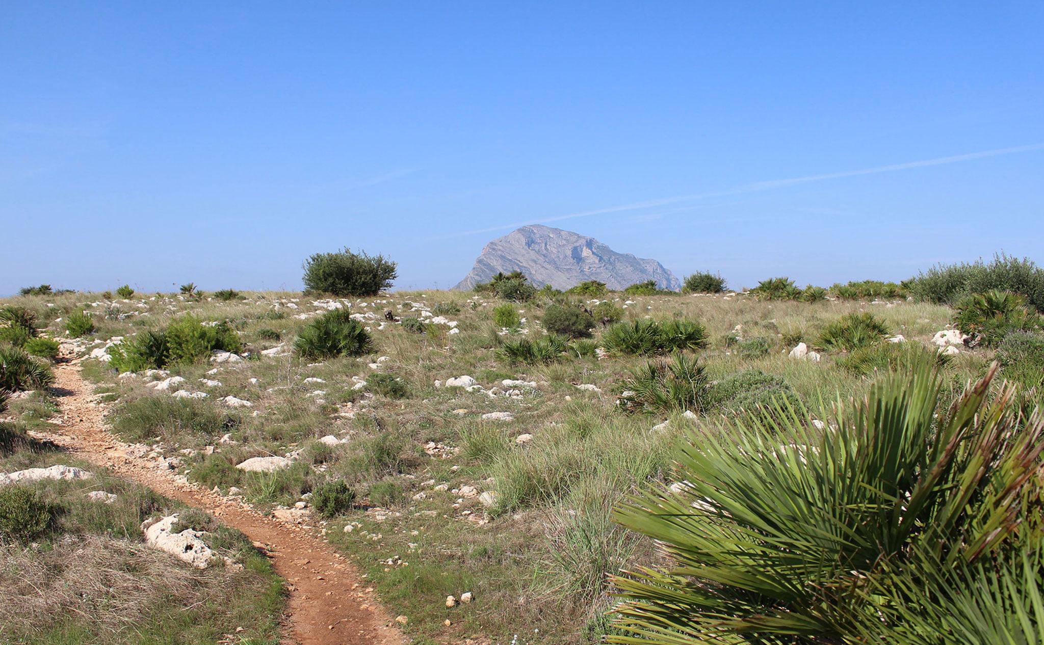 Vista del Montgó desde el Cabo de San Antonio de Jávea