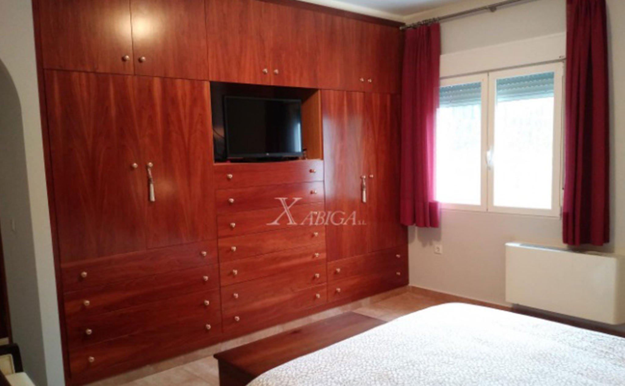 Dormitorio principal de un chalet en venta en Jávea – Xabiga Inmobiliaria
