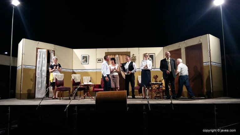 Grupo de Teatro de Xàbia durante una obra