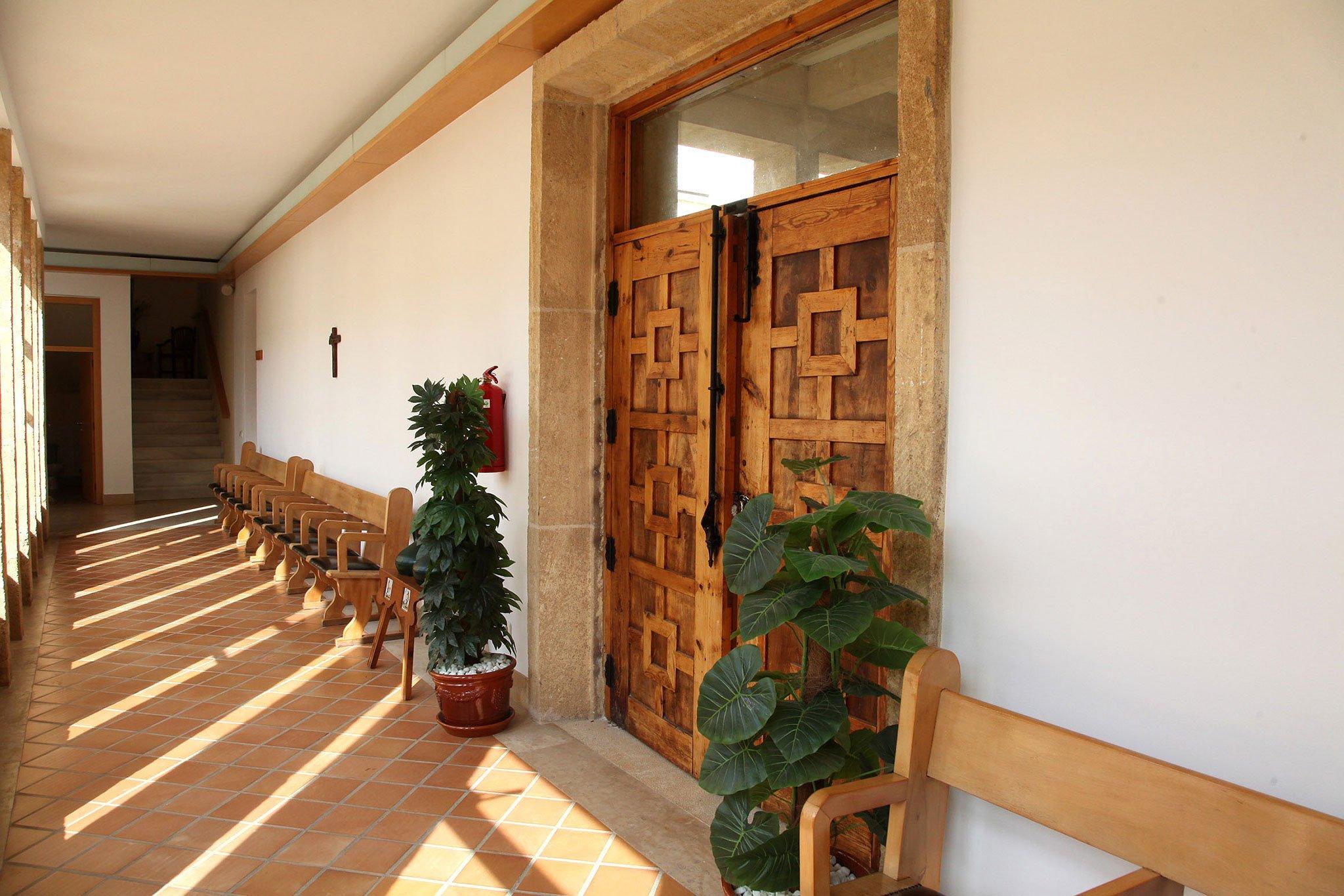 Imagen de los pasillos del Monasterio de la Plana de Jávea