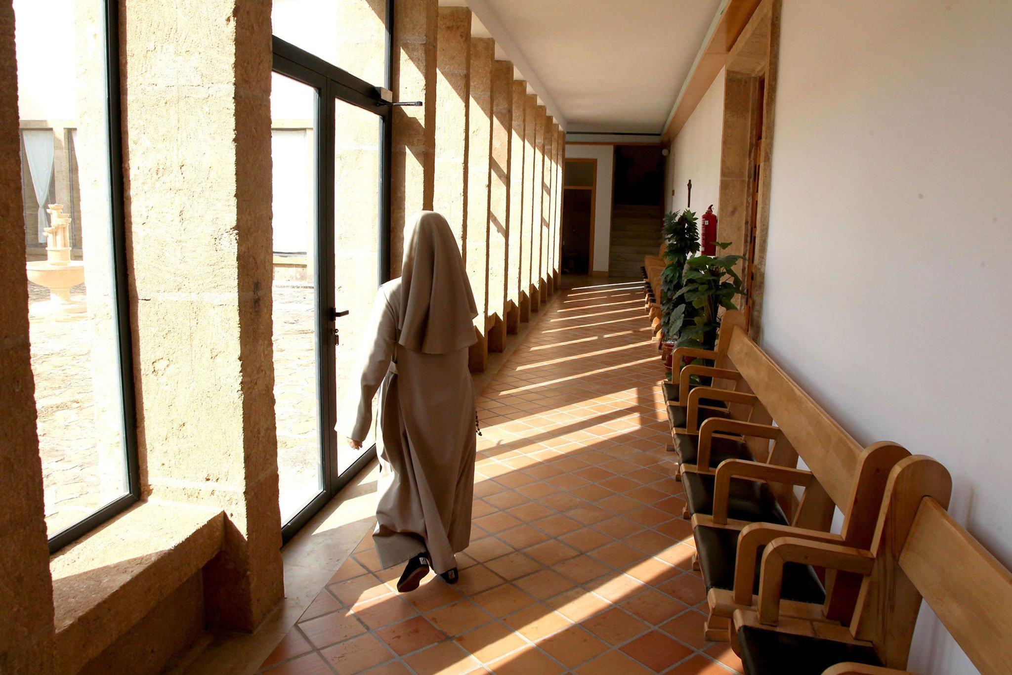 Imagen de una religiosa en el interior del Monasterio de la Plana en Jávea