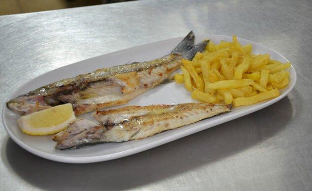Imagen: Plato de pescado fresco para llevar - La Cantina de Jávea