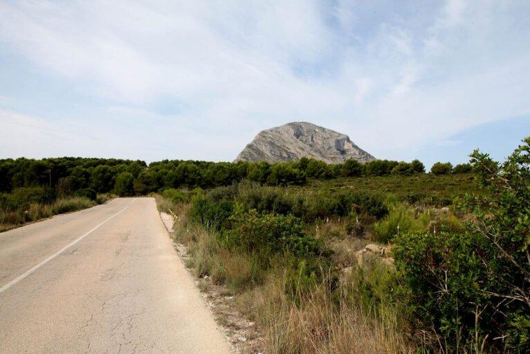 La cima del Montgó desde la Plana de Xàbia
