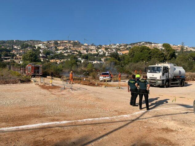 Imagen: Labores de extinción del incendio