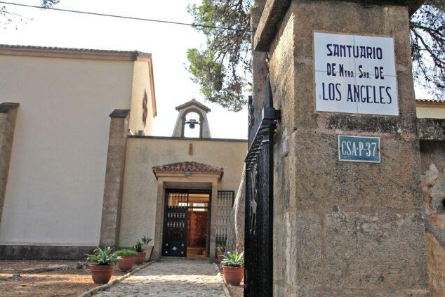 Imagen: Puerta exterior del Monasterio de la Plana de Jávea