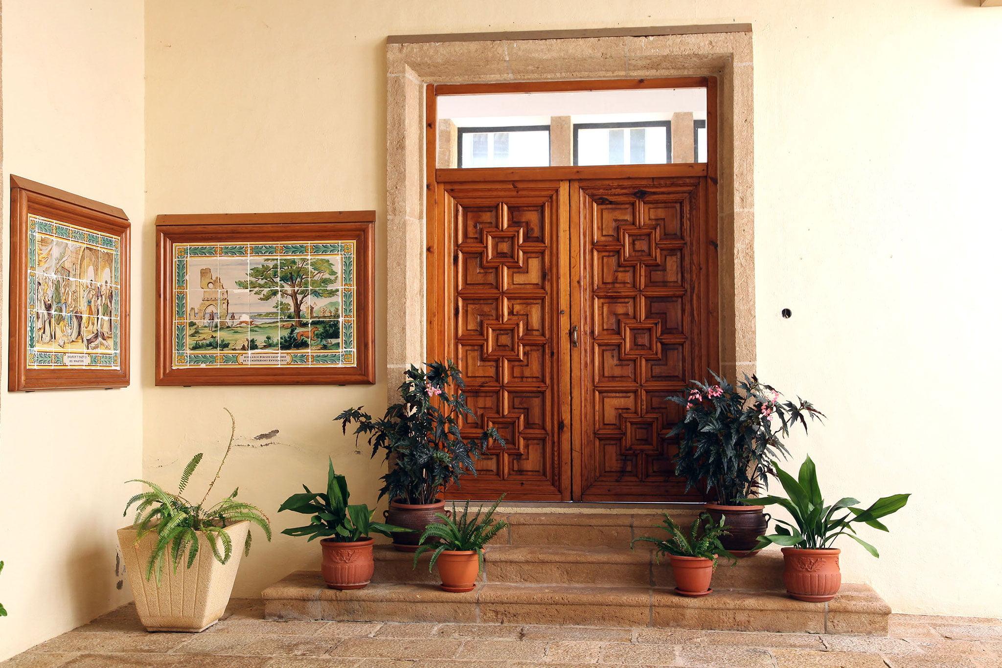 Puerta interior del Monasterio de la Plana de Jávea