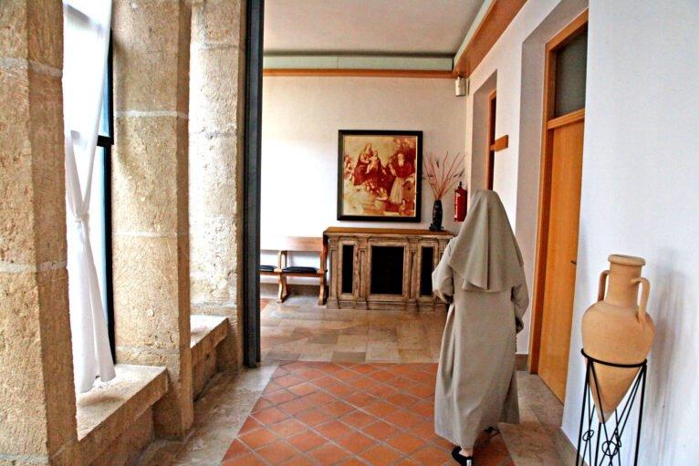 Religiosa de la Casa Diocesana en el Monasterio de la Plana de Jávea