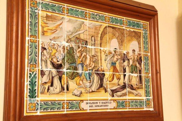 Imagen: Representación en azulejos de la invasión y el saqueo del Santuari de la Mare de Déu dels Àngels de Xàbia
