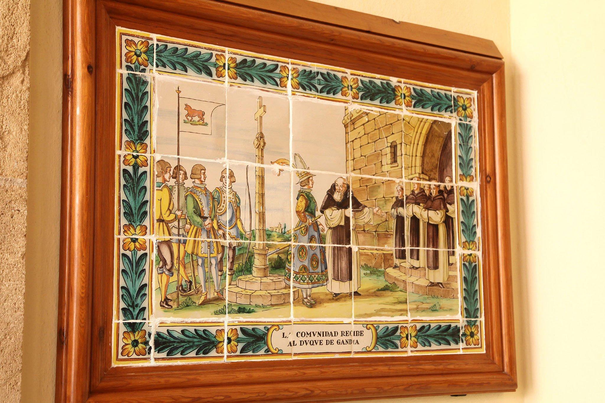 Representación en azulejos de la historia del Santuari de la Mare de Déu dels Àngels de Xàbia: la comunidad recibe al Duque de Gandía