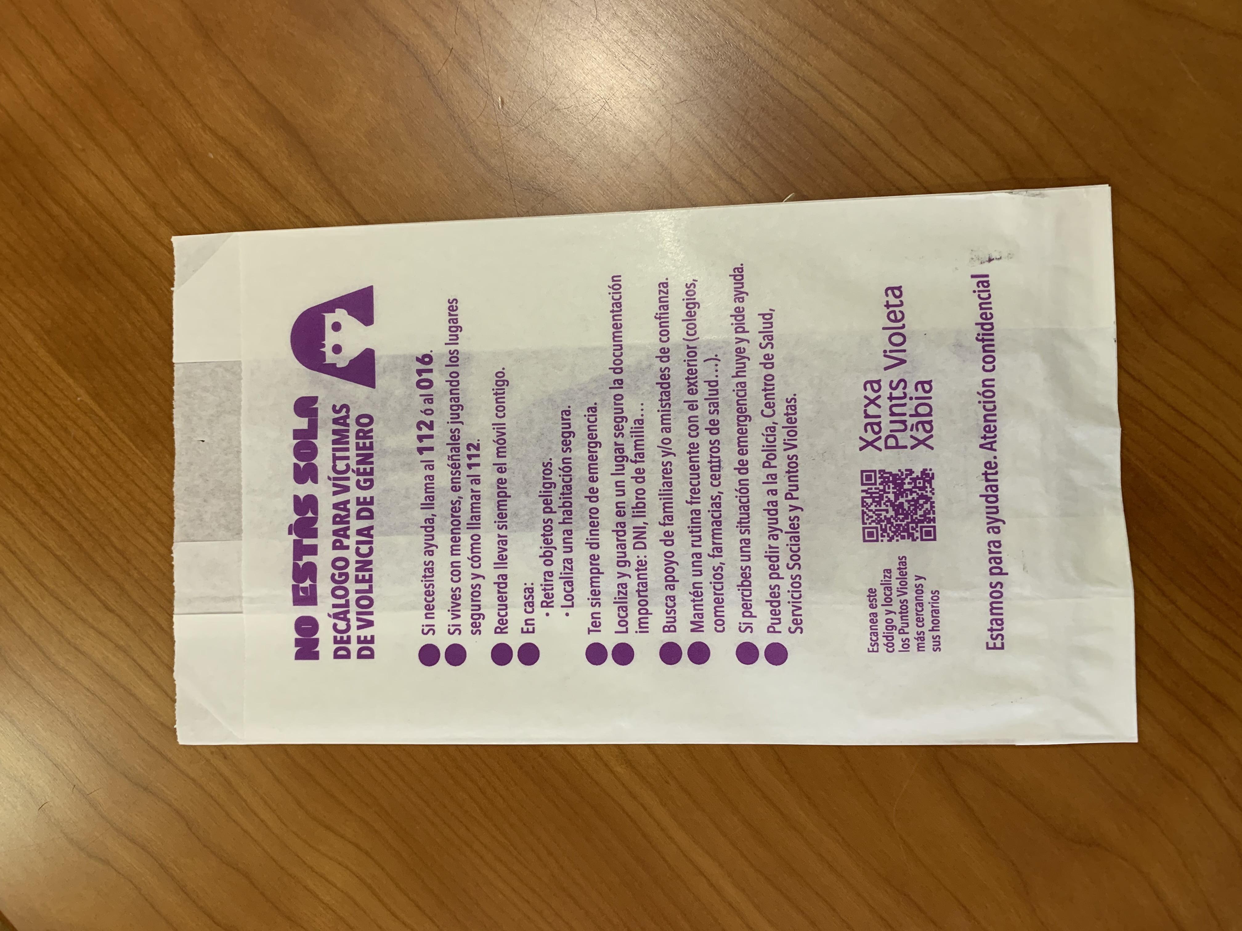 Bolsa de papel que se distribuirá en las farmacias