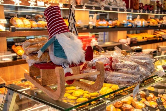 Imagen: Decoración sobre el mostrador en Austriaco Café Wien