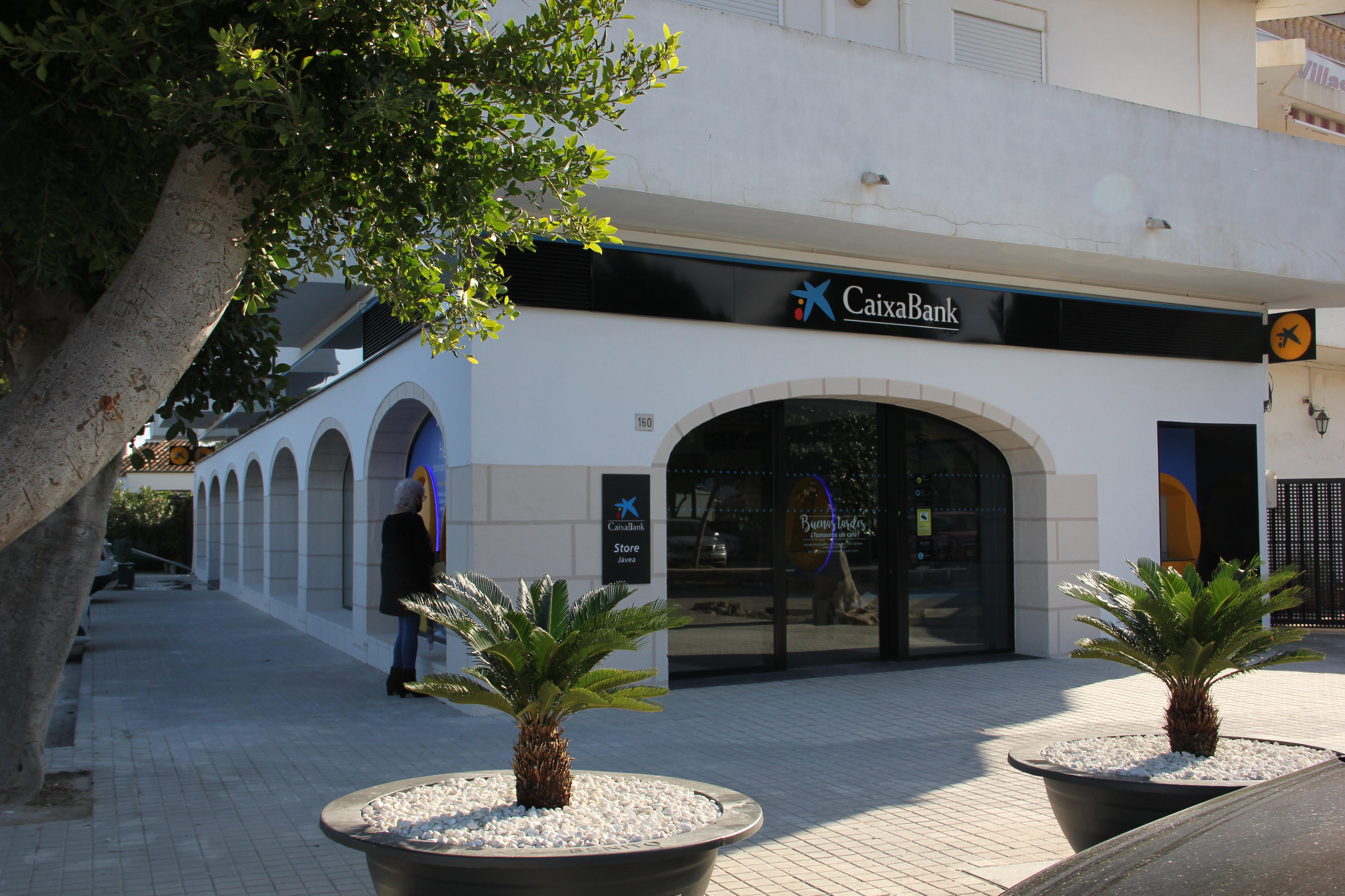 Fachada de la Oficina Store de CaixaBank