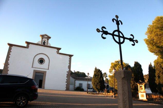 Imagen: Fachada de la Ermita del Calvario de Jávea