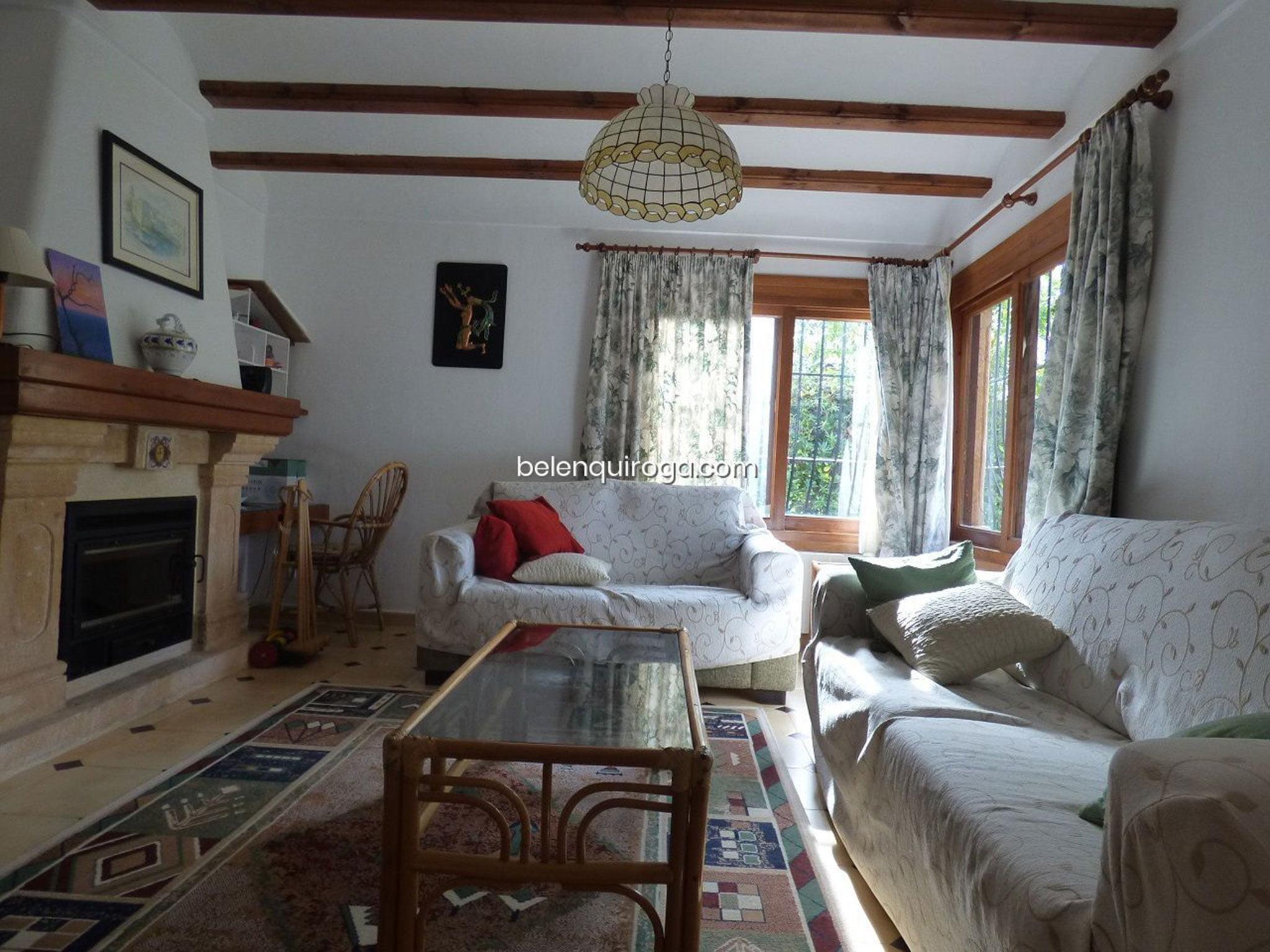 Salón de un chalet en venta en Jávea – Inmobiliaria Belen Quiroga