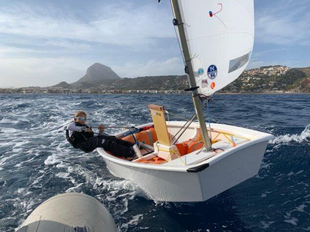Imagen: Vivi Alonso durante la regata