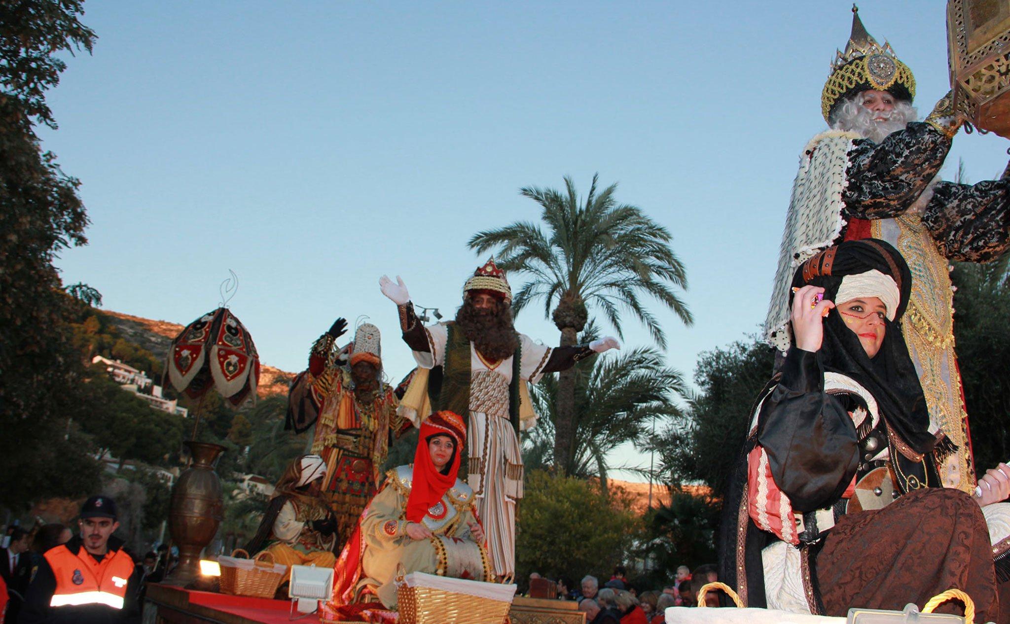 Cabalgata de Reyes Magos 2020 por el puerto de Jávea