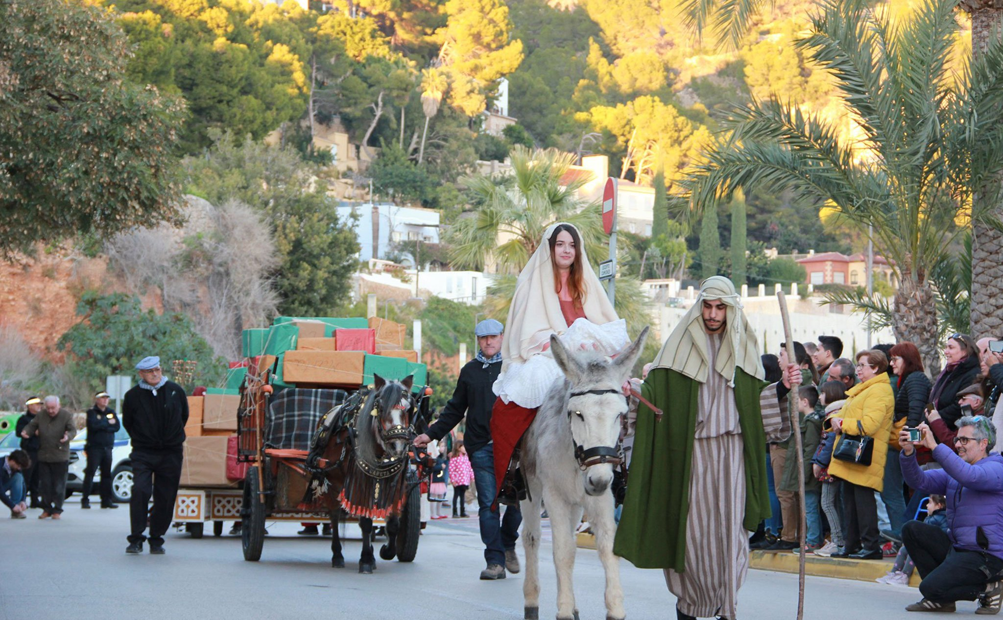 María, José y Jesús en la Cabalgata de Reyes de Xàbia (2020)