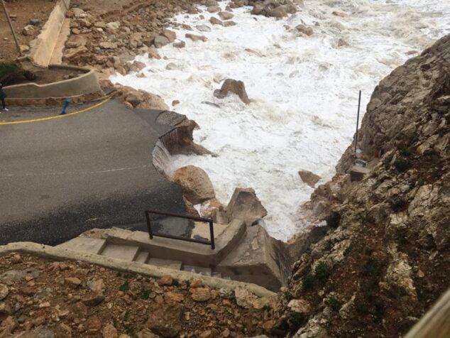 Imagen: Destrozos en la Cala del Moraig