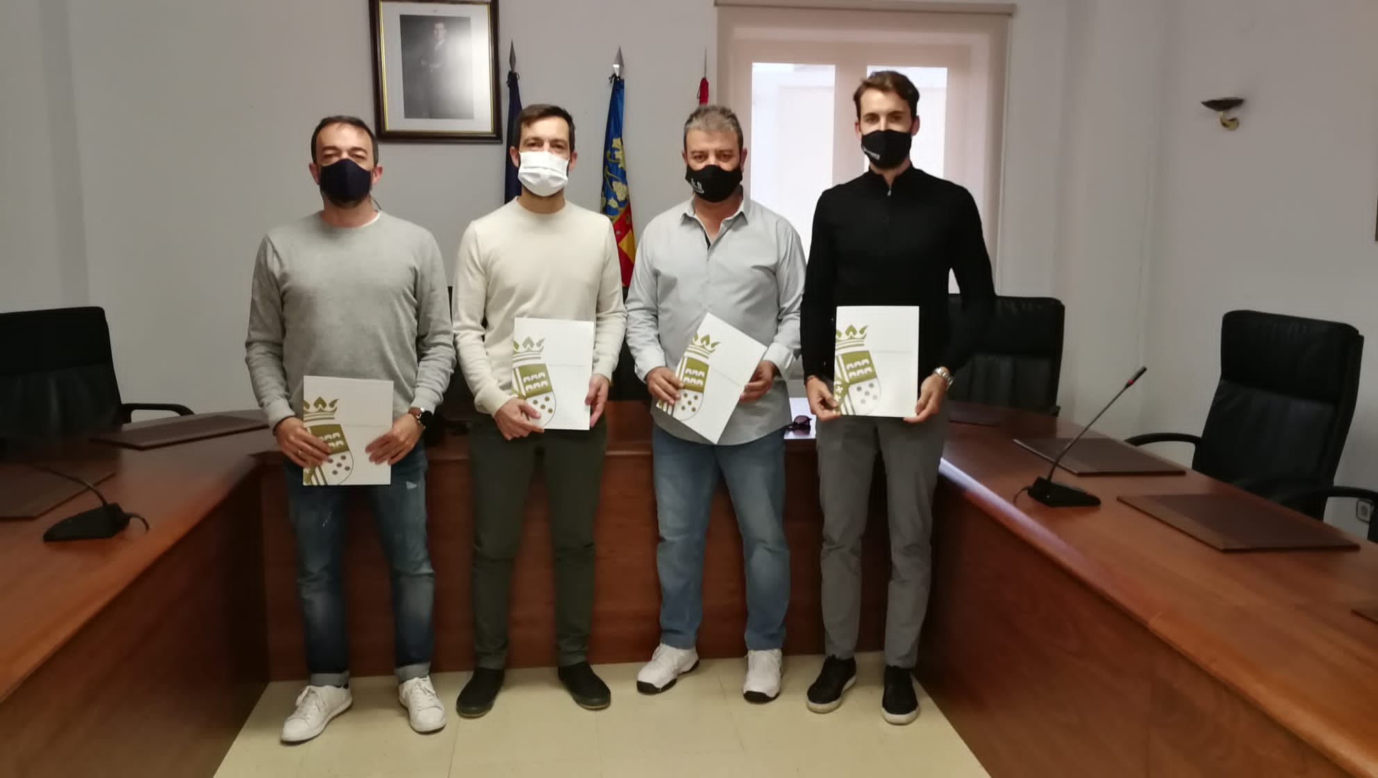 Firma del convenio de Fútbol entre Ayuntamiento y club