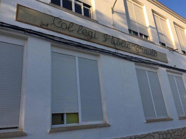 Imagen: Nombre del Colegio Graüll en la fachada