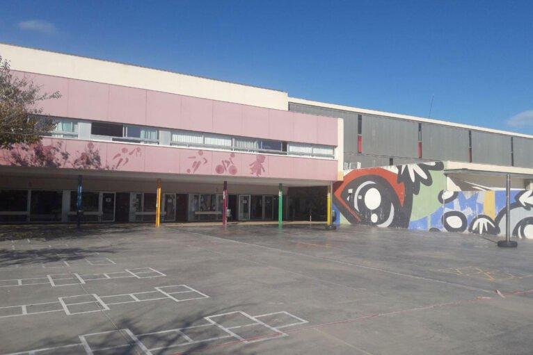 Patio de primaria del Colegio L'Arenal de Xàbia
