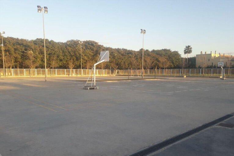 Pistas deportivas del Colegio L'Arenal de Xàbia