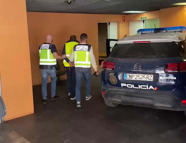 Imagen: Uno de los fugitivos detenidos por la Policía Nacional