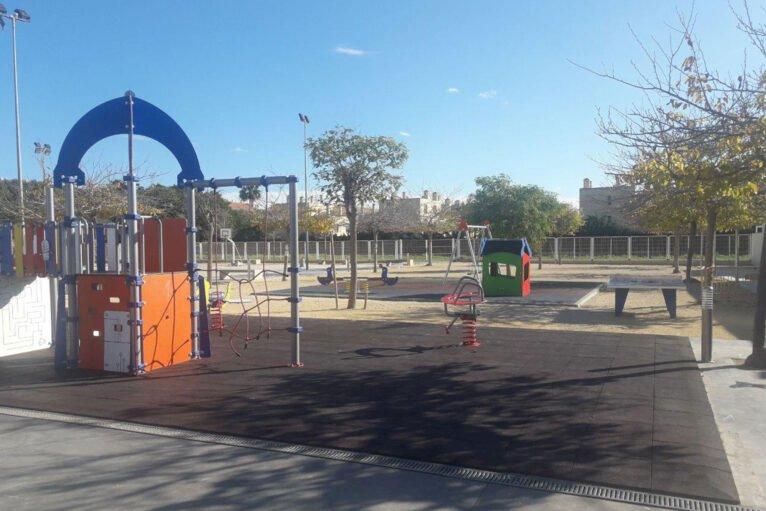 Zona de juegos del Colegio L'Arenal de Xàbia