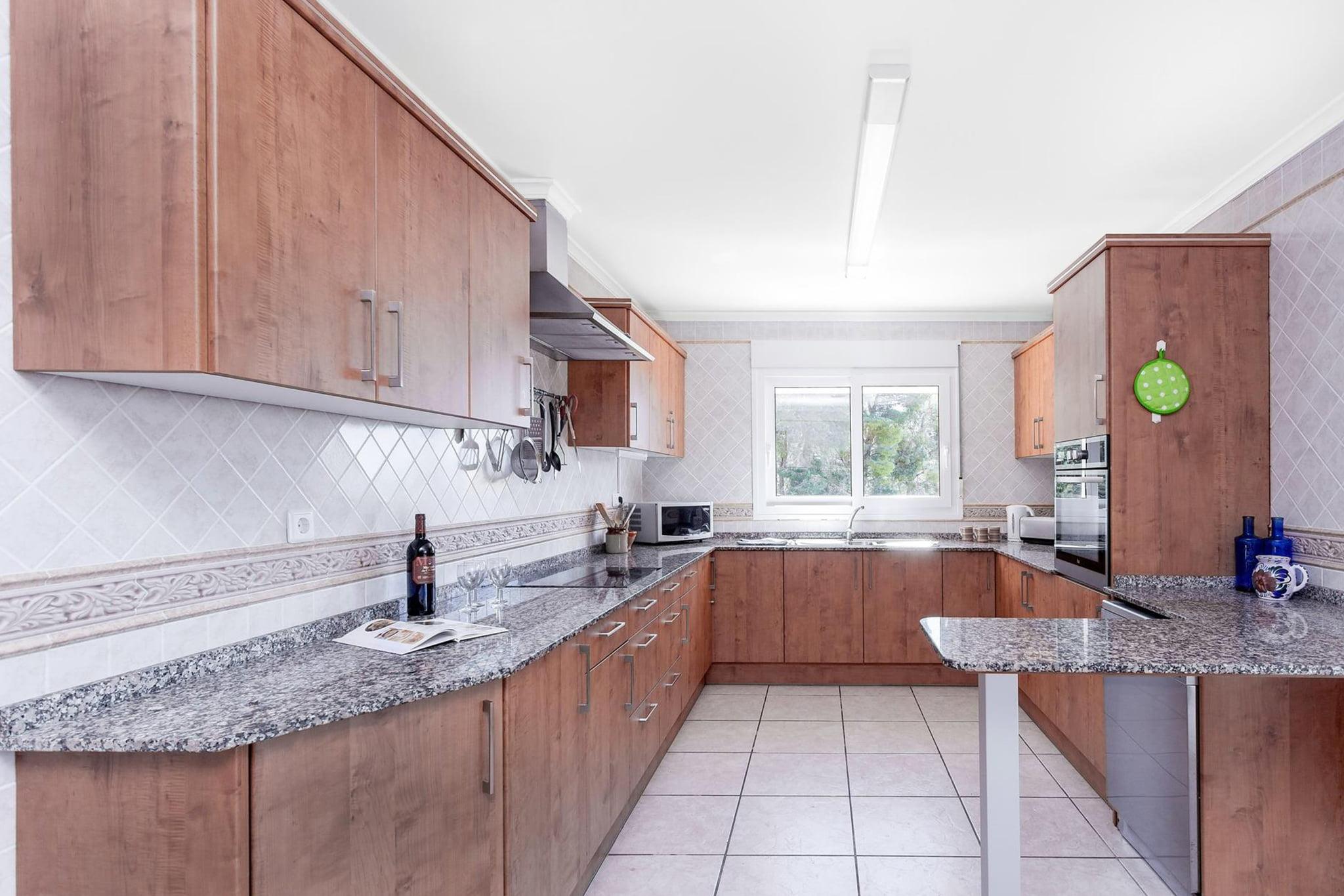 Cocina de un chalet de vacaciones para ocho personas en Jávea – Aguila Rent a Villa