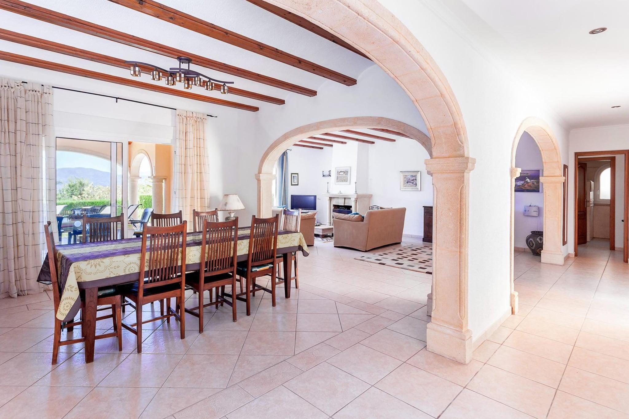 Comedor de un chalet de vacaciones para ocho personas en Jávea – Aguila Rent a Villa