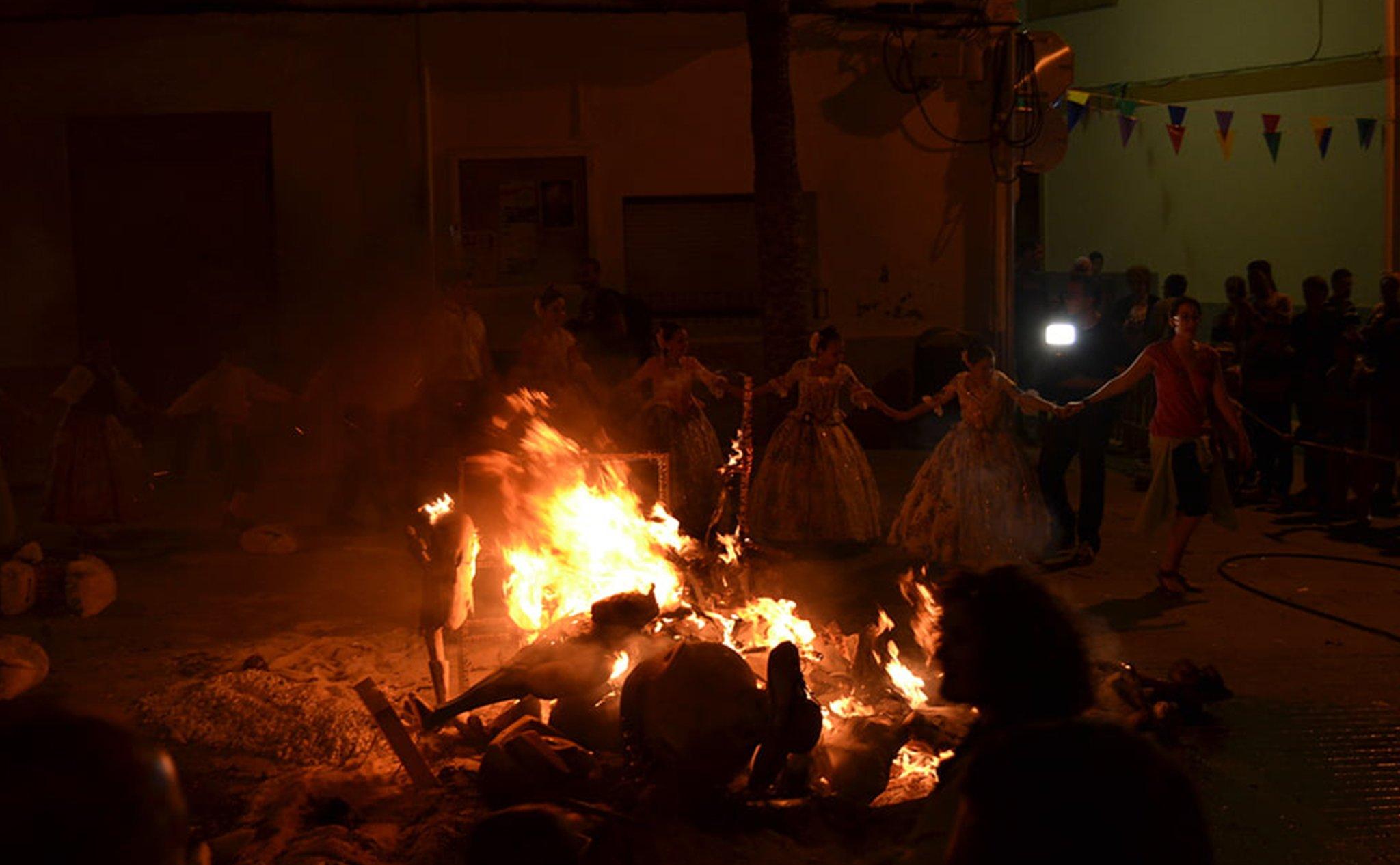 Cremà de la Hoguera Infantil de las fiestas de San Juan de Xàbia