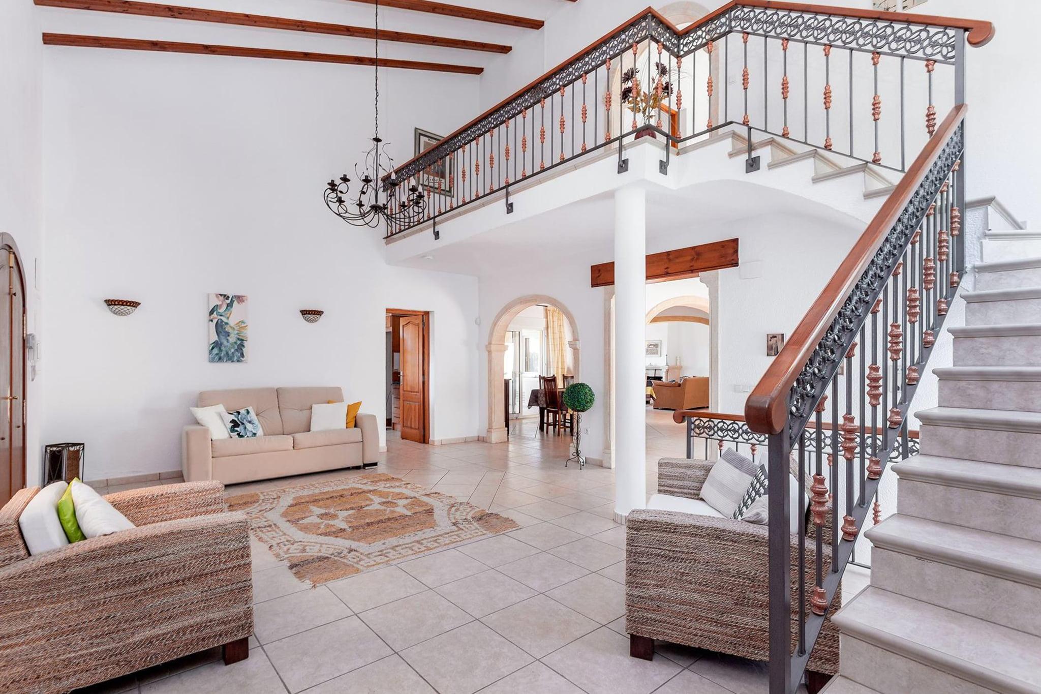 Escaleras de un chalet de vacaciones para ocho personas en Jávea – Aguila Rent a Villa