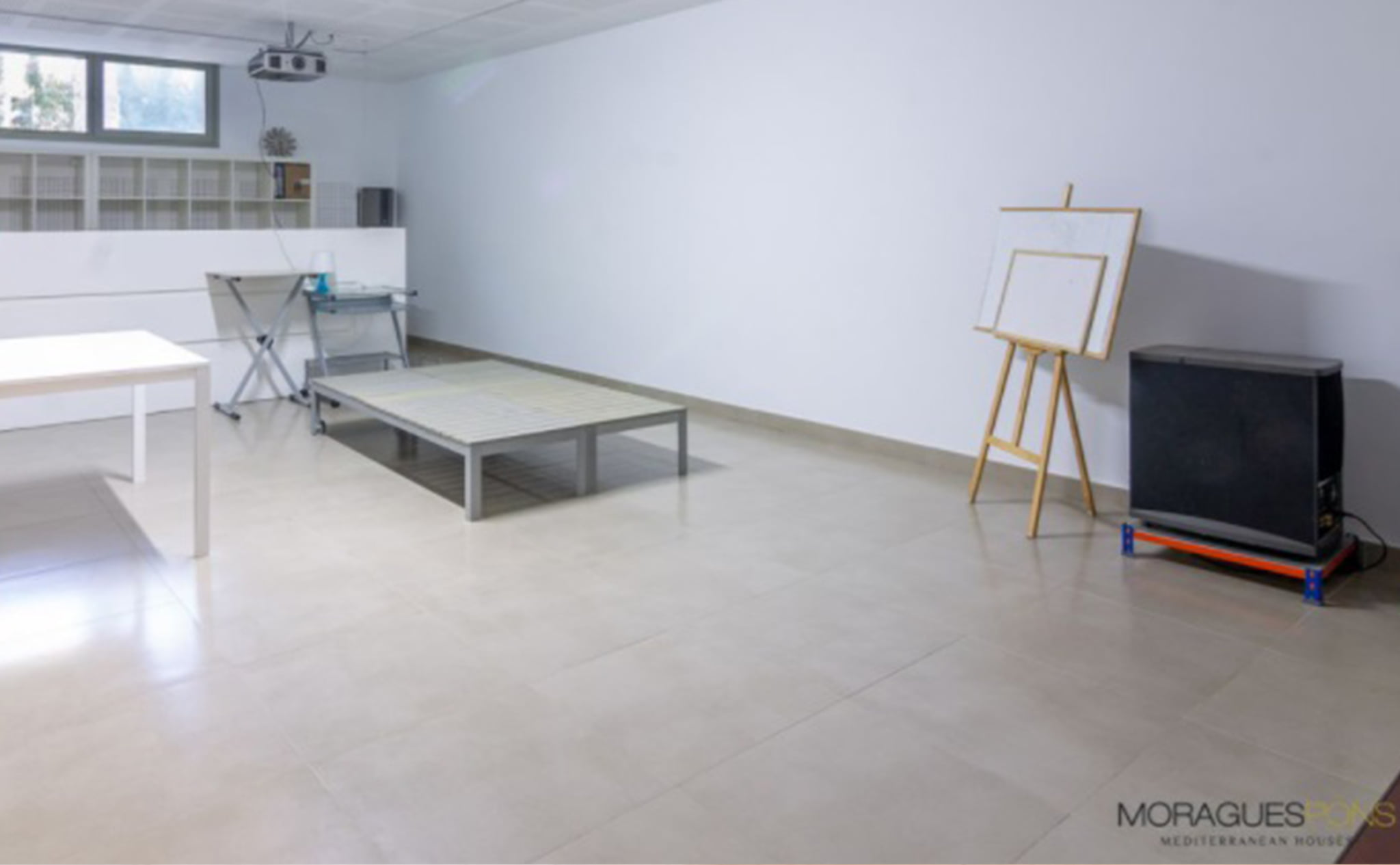 Espacio multifunción de una casa moderna en venta en Jávea – MORAGUESPONS Mediterranean Houses
