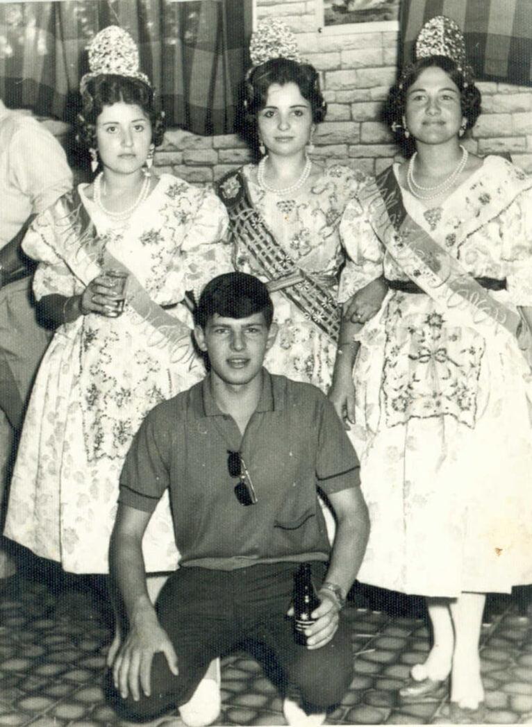 Festeras de las fiestas de San Juan en los años 60
