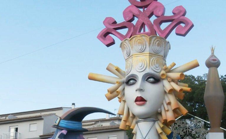 Detalle de la Hoguera Central de las fiestas de San Juan (Año 2013)