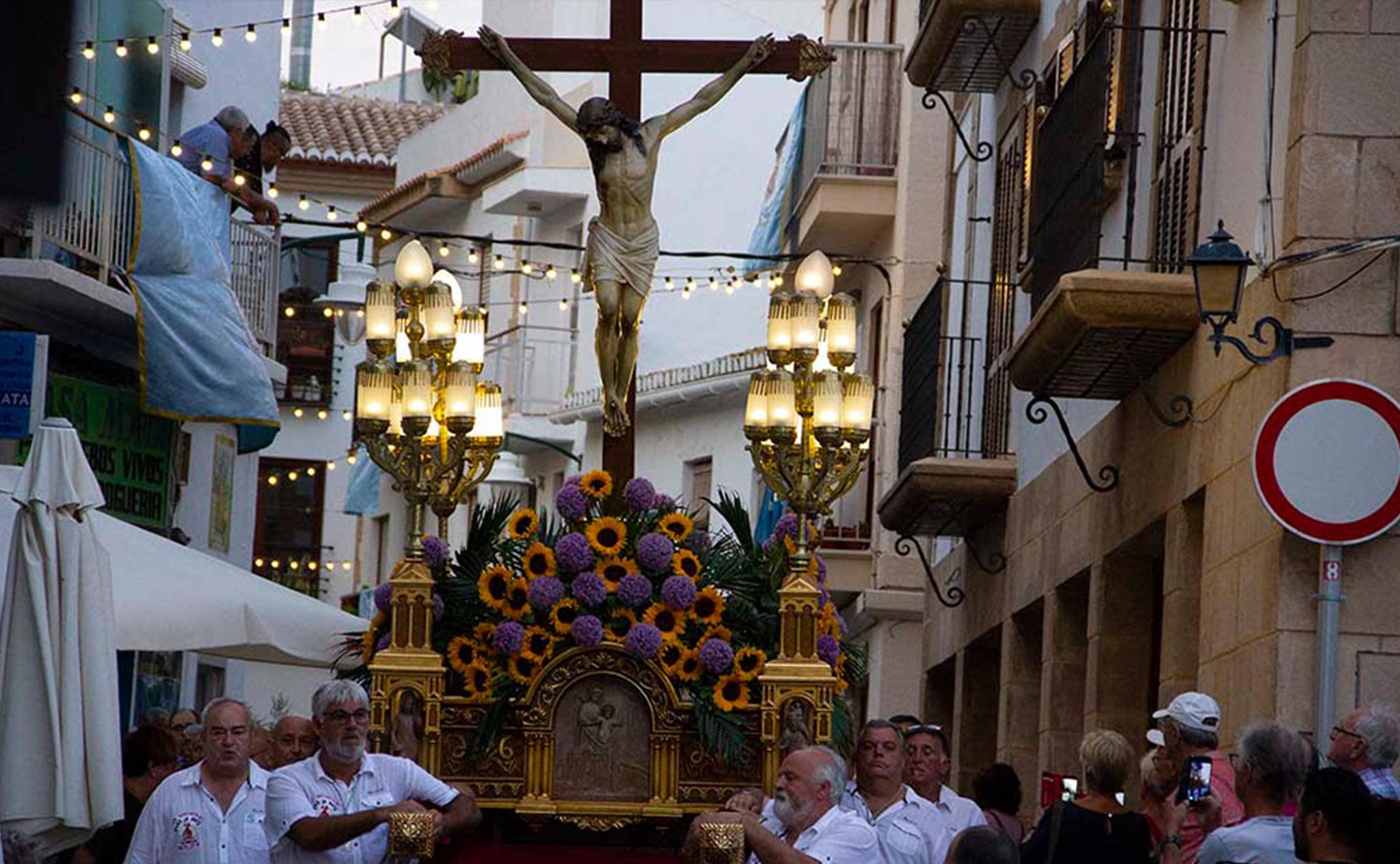 El paso de la procesión del Santísimo Cristo del Mar de Xàbia