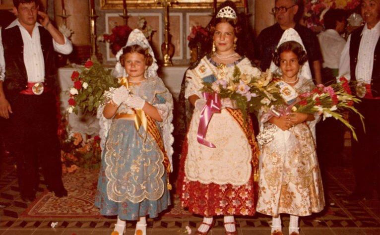 Reina y damas infantiles de las fiestas de San Juan (Año 1982)