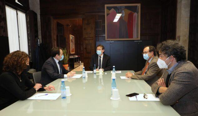 Imagen: Reunión del President sobre las ayudas del Plan Resiste