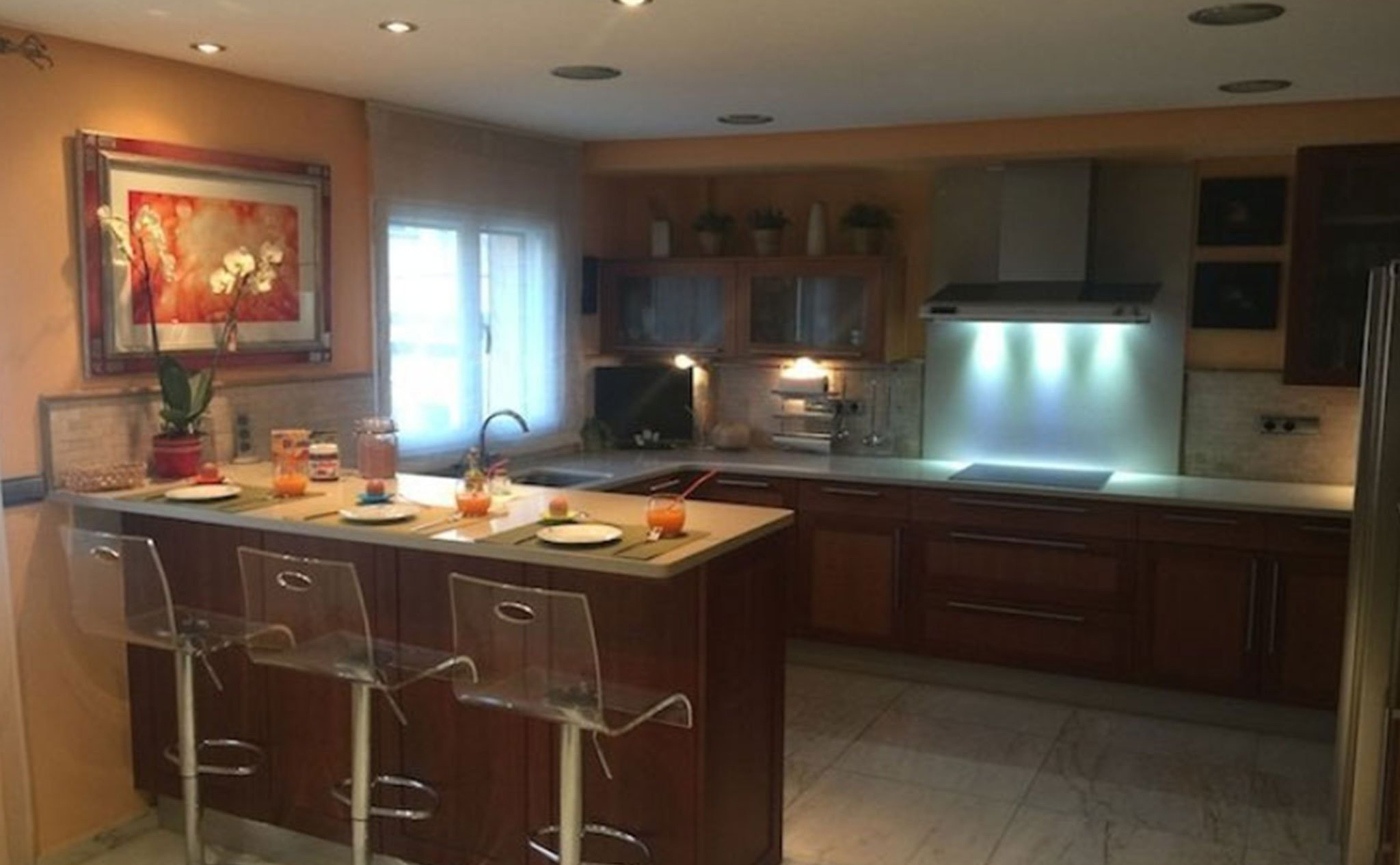Cocina en una casa en venta en el puerto de Jávea – Terramar Costa Blanca