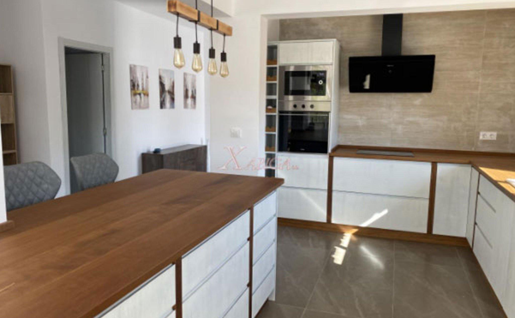 Cocina de un chalet en venta en Jávea – Xabiga Inmobiliaria