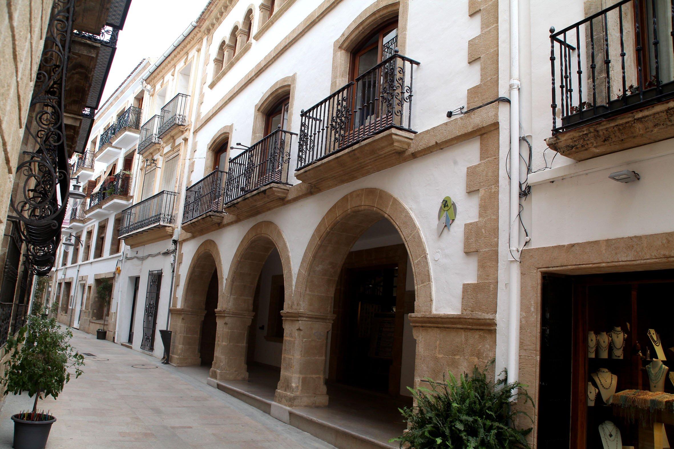 Fachada de la Biblioteca Municipal de Xàbia