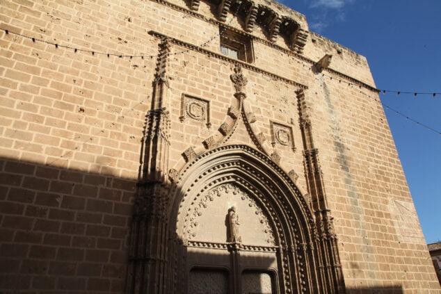 Imagen: Fachada de la Iglesia de San Bartolomé