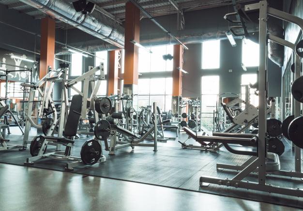 Interior de un gimnasio