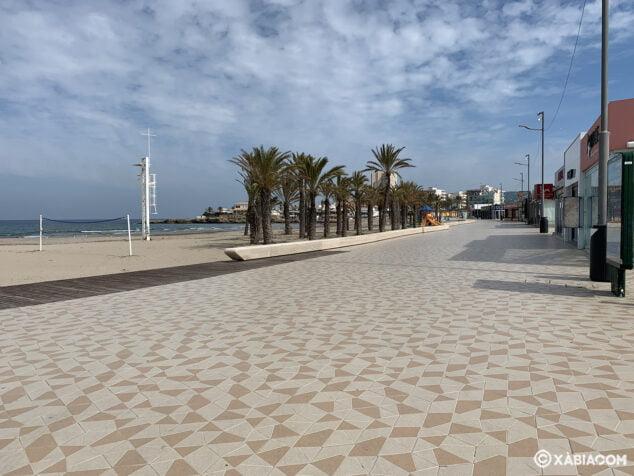 Imagen: Paseo de la playa del Arenal de Xàbia