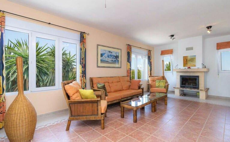 Salón de un chalet en venta en la zona de la Granadella - Vicens Ash Properties
