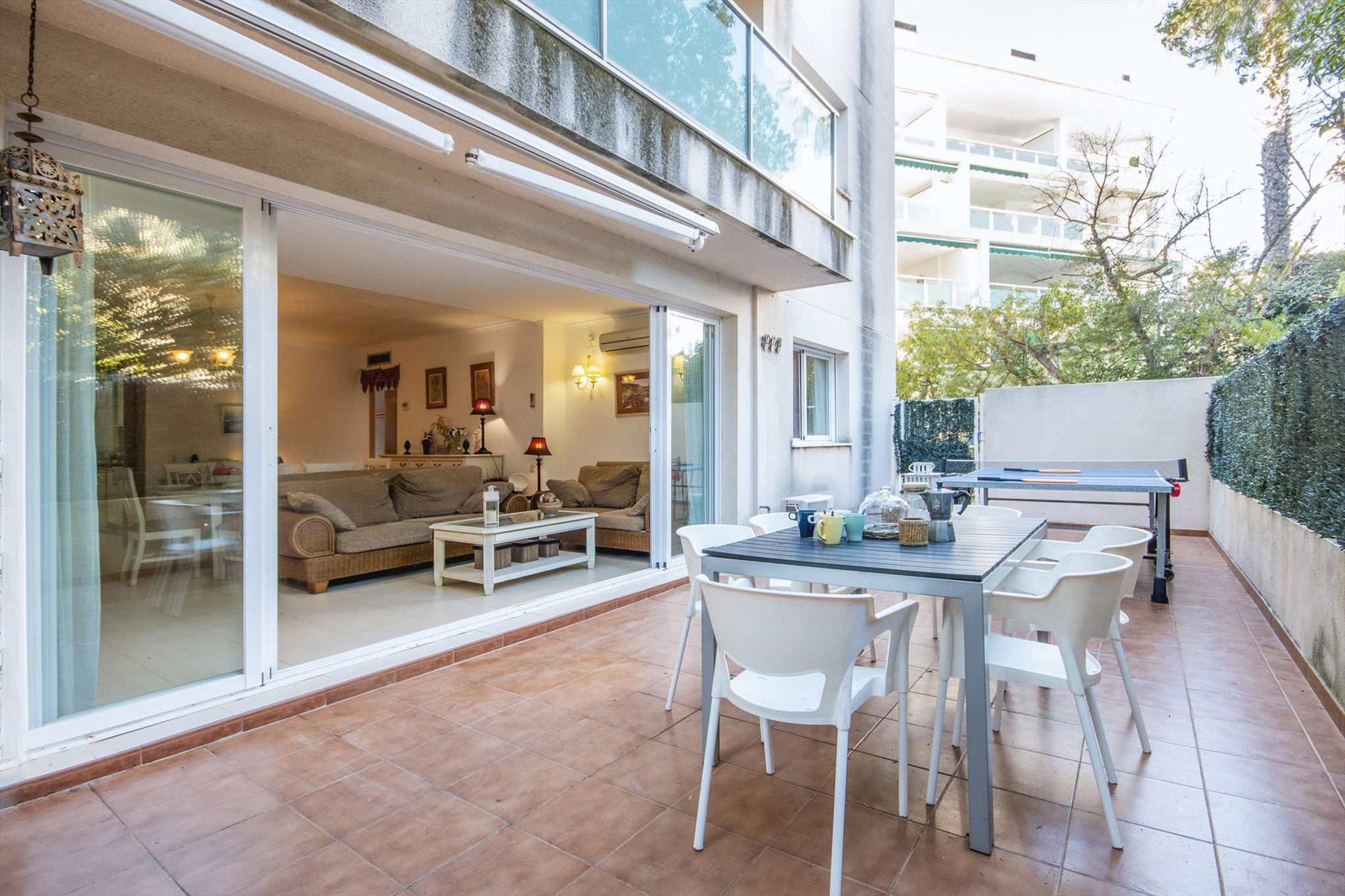Terraza de un apartamento de alquiler en Jávea – Aguila Rent a Villa